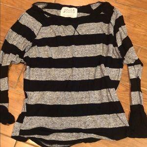 Black and gray long sleeve tee